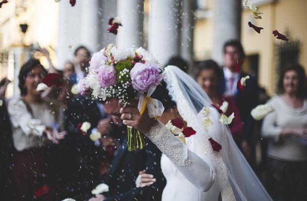 Как выбрать дату свадьбы: обычаи, приметы, идеи